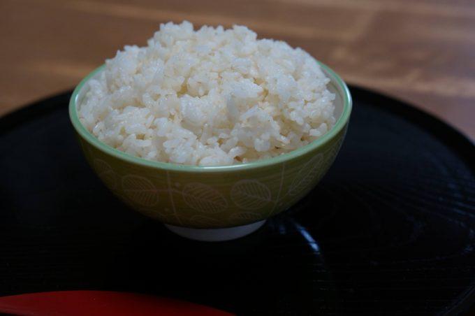 胚芽が残るように浅く精米した白米